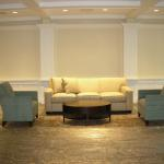 Hampshire Country Club Lobby Before Art